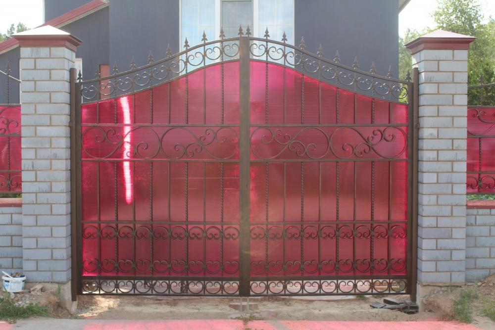 ворота кованые под поликарбонат